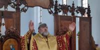В праздник Почаевского образа Божией Матери архиепископ Лукиан совершил Божественную литургию в храме Явления Божией Матери на Амуре 1900 года в с. Новинке